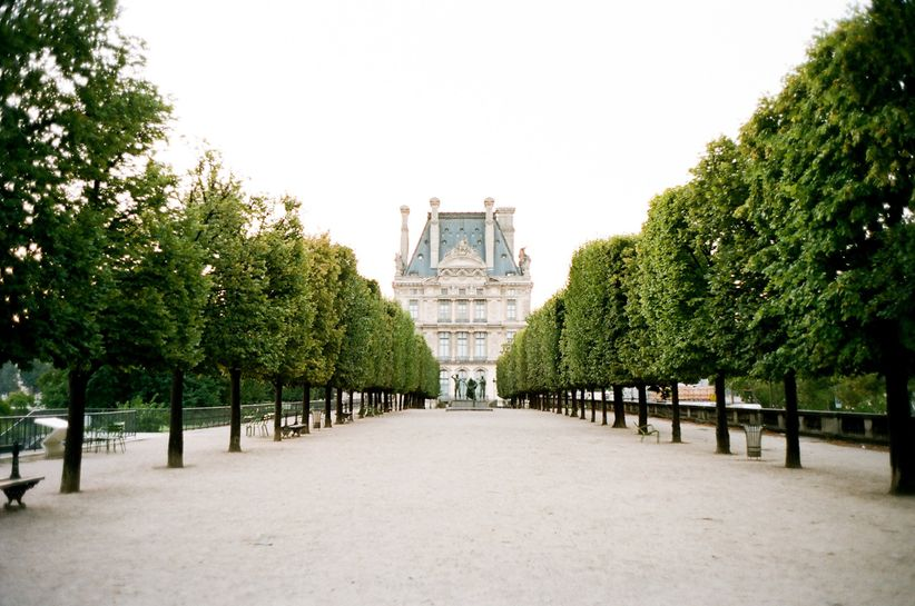 Paris themed wedding ideas