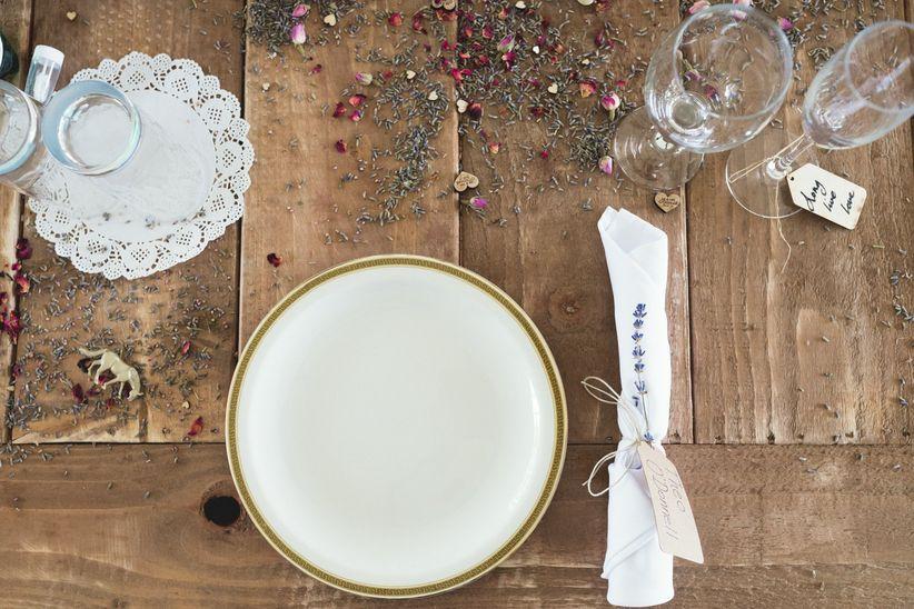 plain table setting