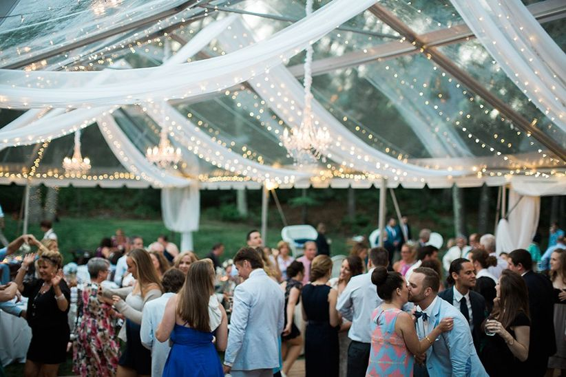 Backyard Wedding Receptions a backyard wedding is totes possible — here's how - weddingwire