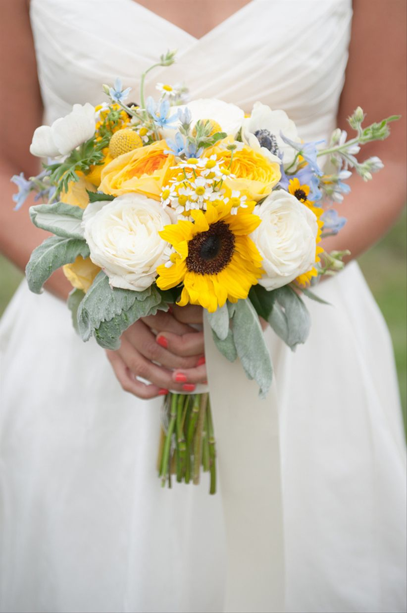 rustic wedding bouquet with sunflowers and dusty miller