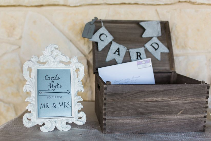 How Much Cash Should You Give As A Wedding Gift Weddingwire