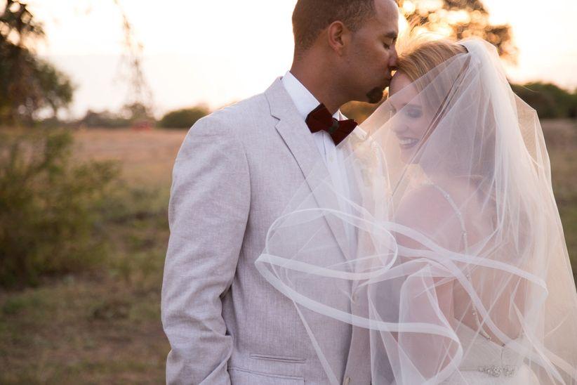 bride and groom forehead kiss - dawn elizabeth studios