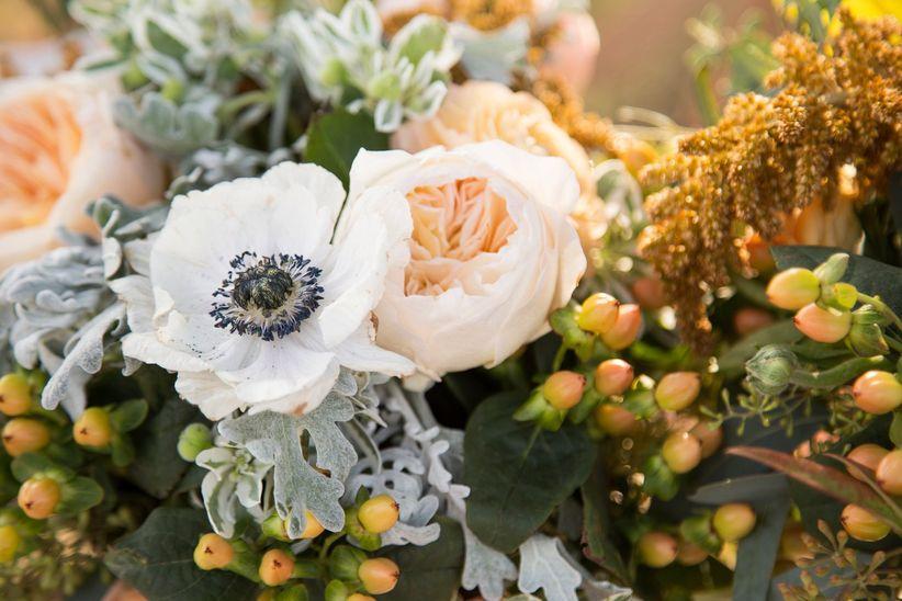 anemone and garden rose centerpiece - dawn elizabeth studios