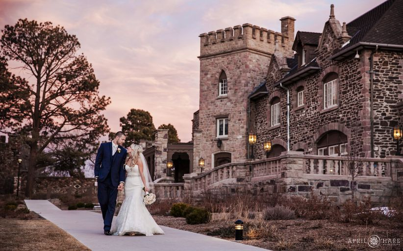 bride and groom outdoor highlands ranch mansion