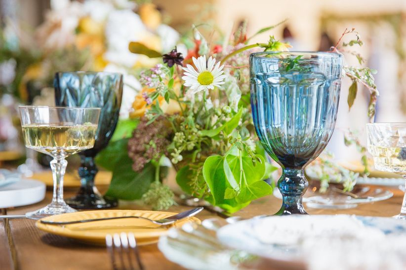blue wedding theme place setting ideas