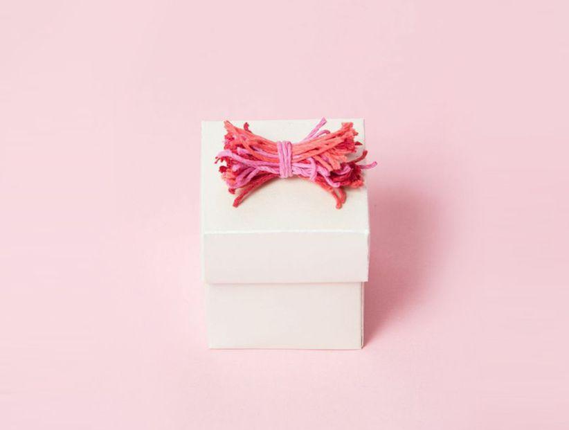String Bow Wedding Favor Box Diy Weddingwire