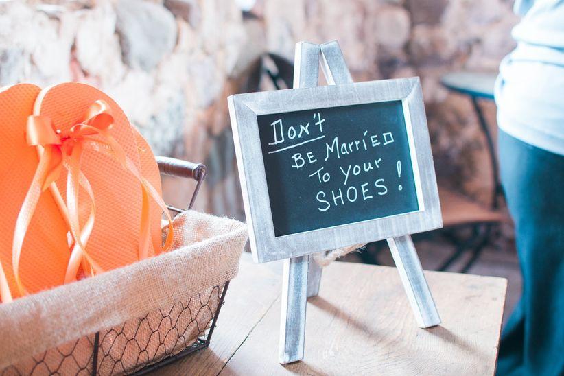 flip flops sign