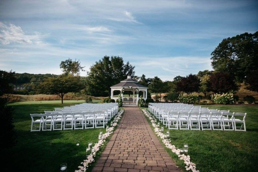 16 Stunning Outdoor Wedding Venues in Connecticut - WeddingWire