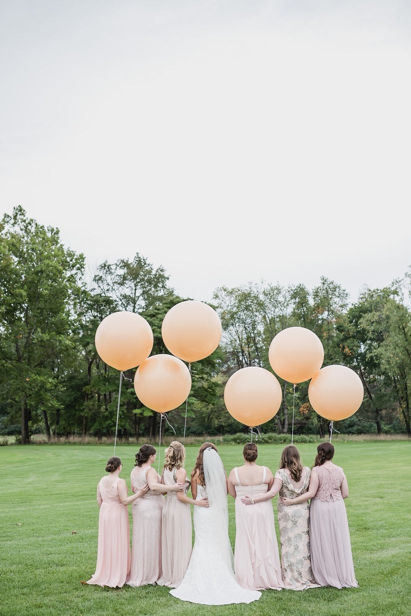 giant balloons for weddings
