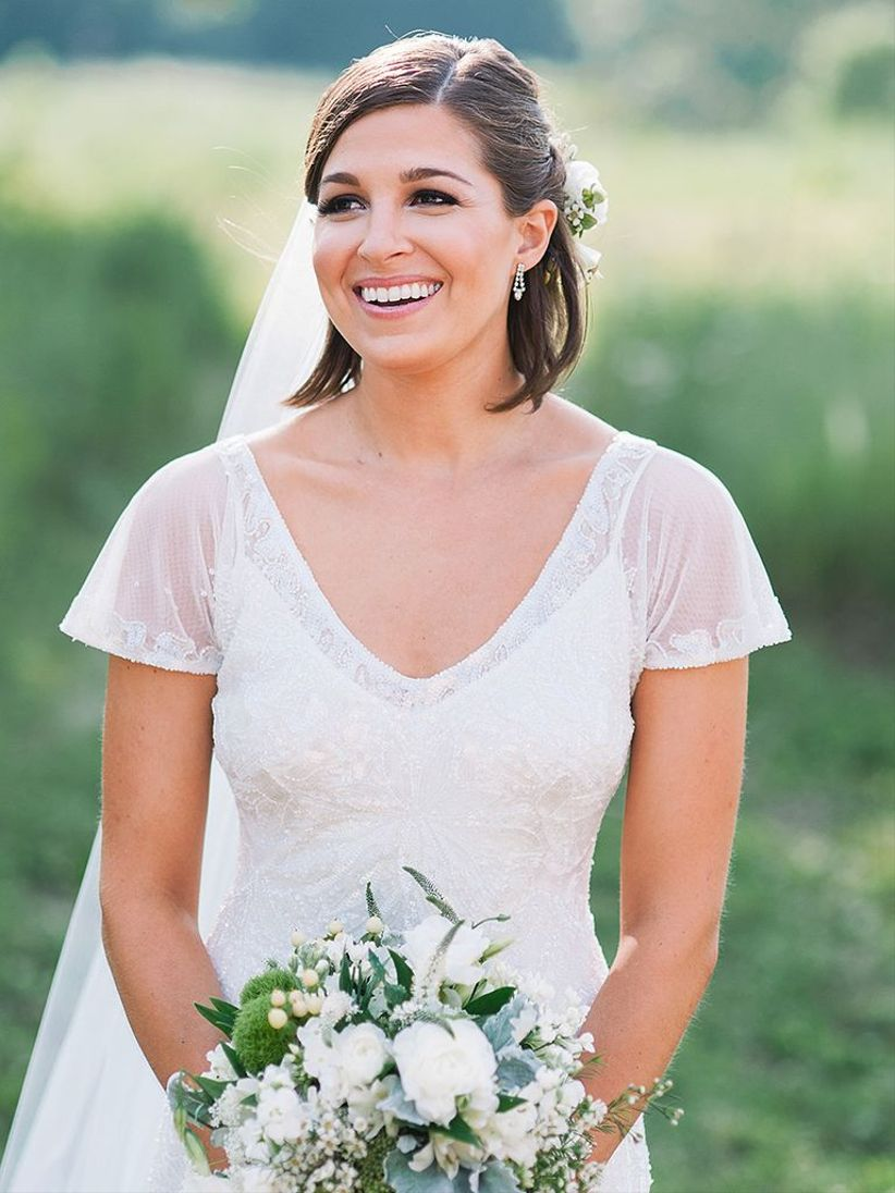 20 Wedding Hairstyles for Short Hair: Updos, Half-Up ...