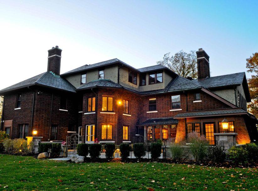 romantic mansion wedding venue in Cleveland Ohio near Lake Erie