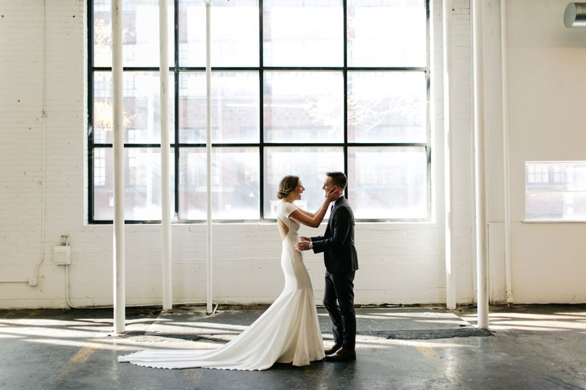 Minimalist Wedding Ideas For The Ultimate Simple Chic Day