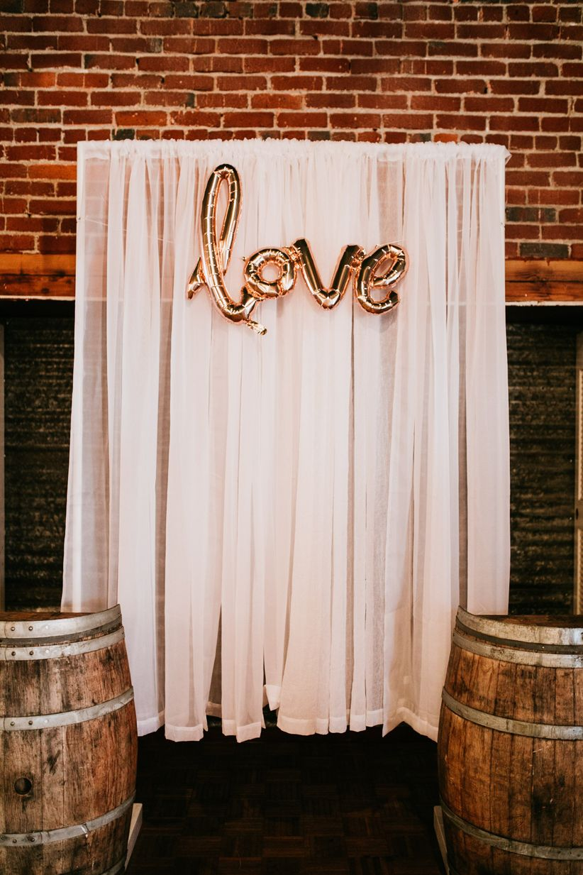 These indoor ceremony backdrops will make you pray for rain love ceremony backdrop balloons junglespirit Image collections