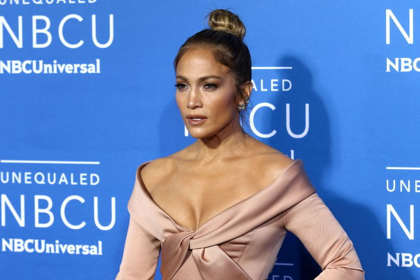jennifer lopez with hair in topknot
