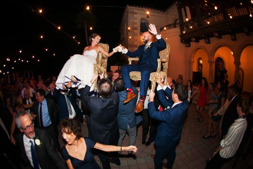jewish couple dancing hora