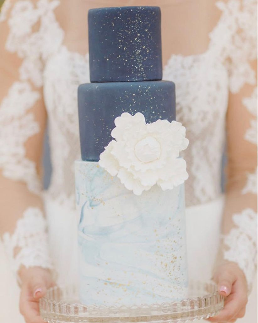 celestial wedding cake with constellation patterns and blue colors