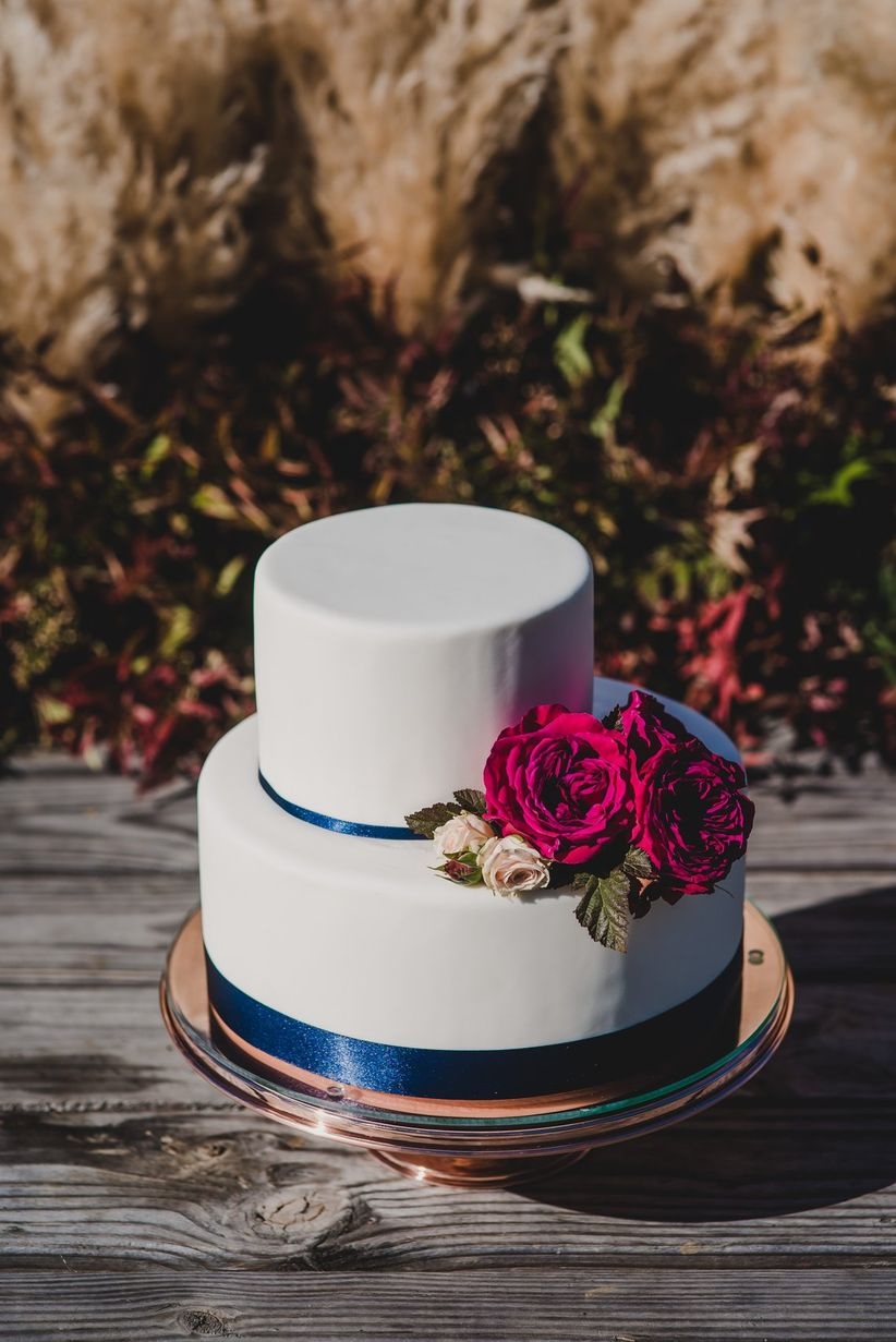 modern fondant wedding cakes