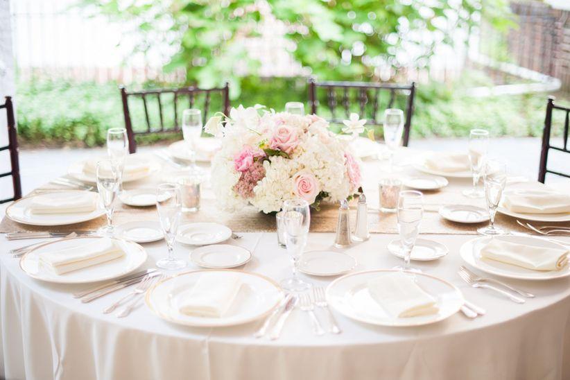 8 creative ideas for your rehearsal dinner weddingwire reception tablescape solutioingenieria Choice Image