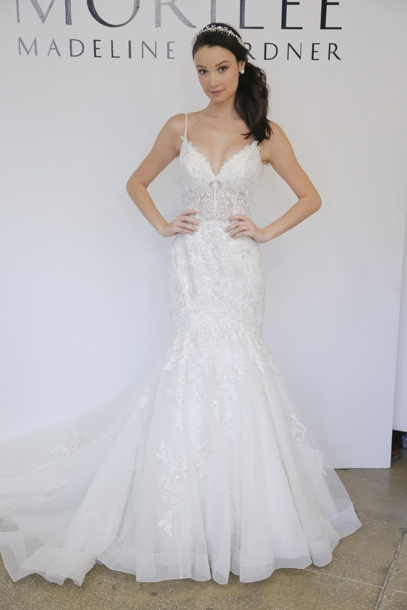 vegas wedding dresses 10 amazing las vegas wedding dresses weddingwire 8254