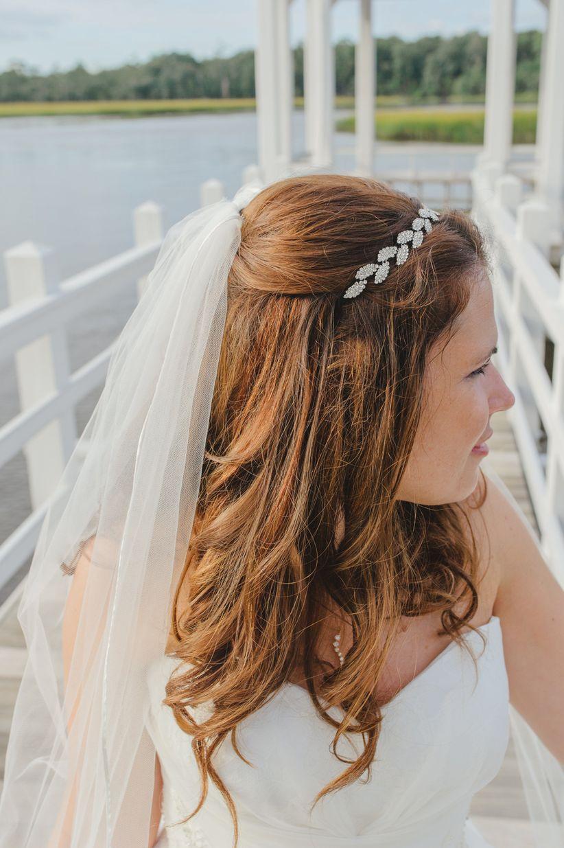 bride with crystal headpiece and veil priscilla thomas photography