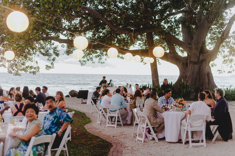 8 Things I Learned As An Out Of Town Wedding Guest Weddingwire