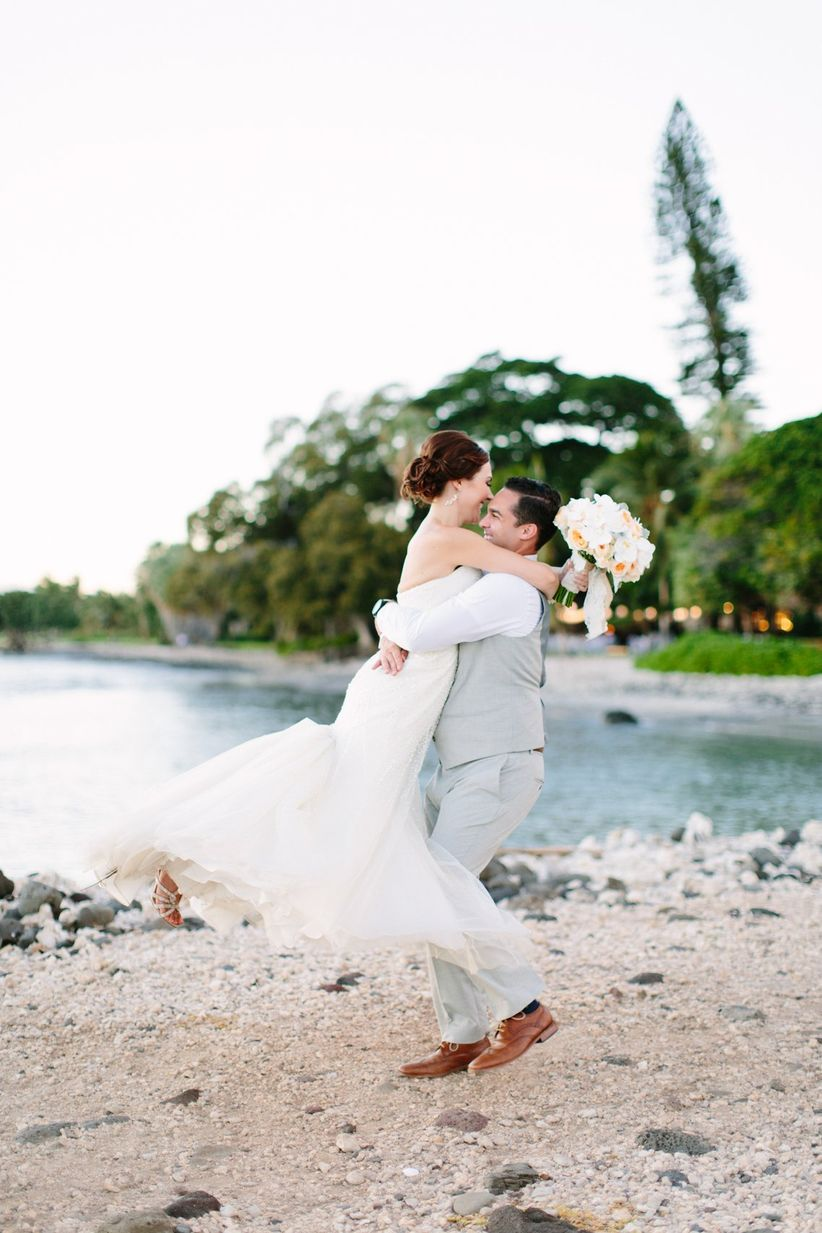 bride and groom beach wedding in hawaii