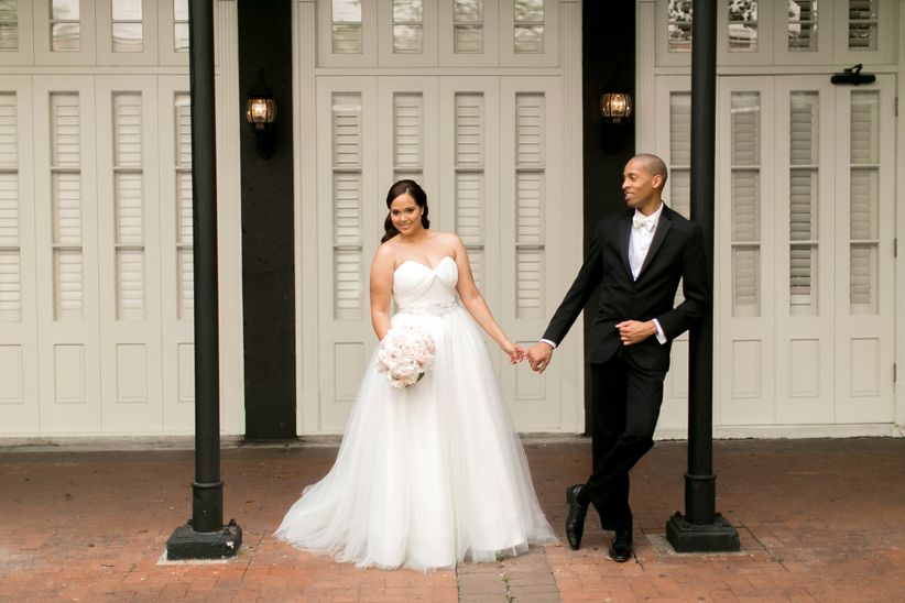 new orleans couple outdoors