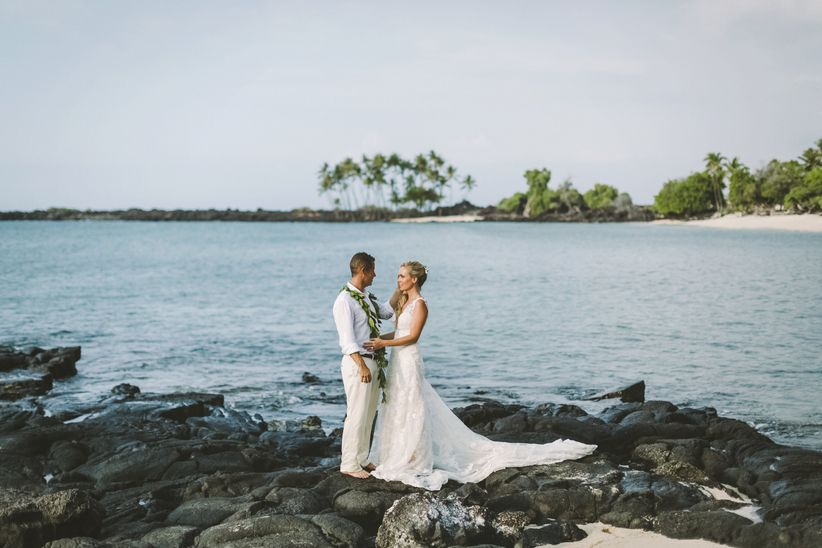 9 things destination wedding couples dont stress over weddingwire hawaii destination wedding ideas junglespirit Image collections