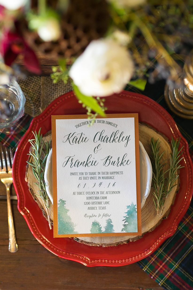 red and green place setting