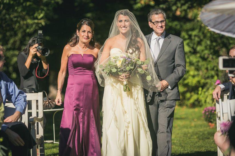 parents of the bride aisle