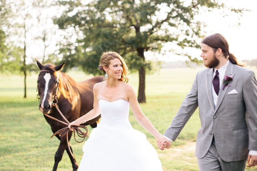 wedding couple with horses