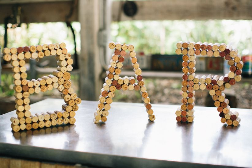 DIY wine cork sign