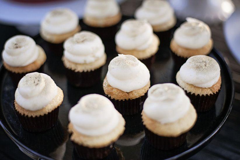 miniature cupcake wedding favors