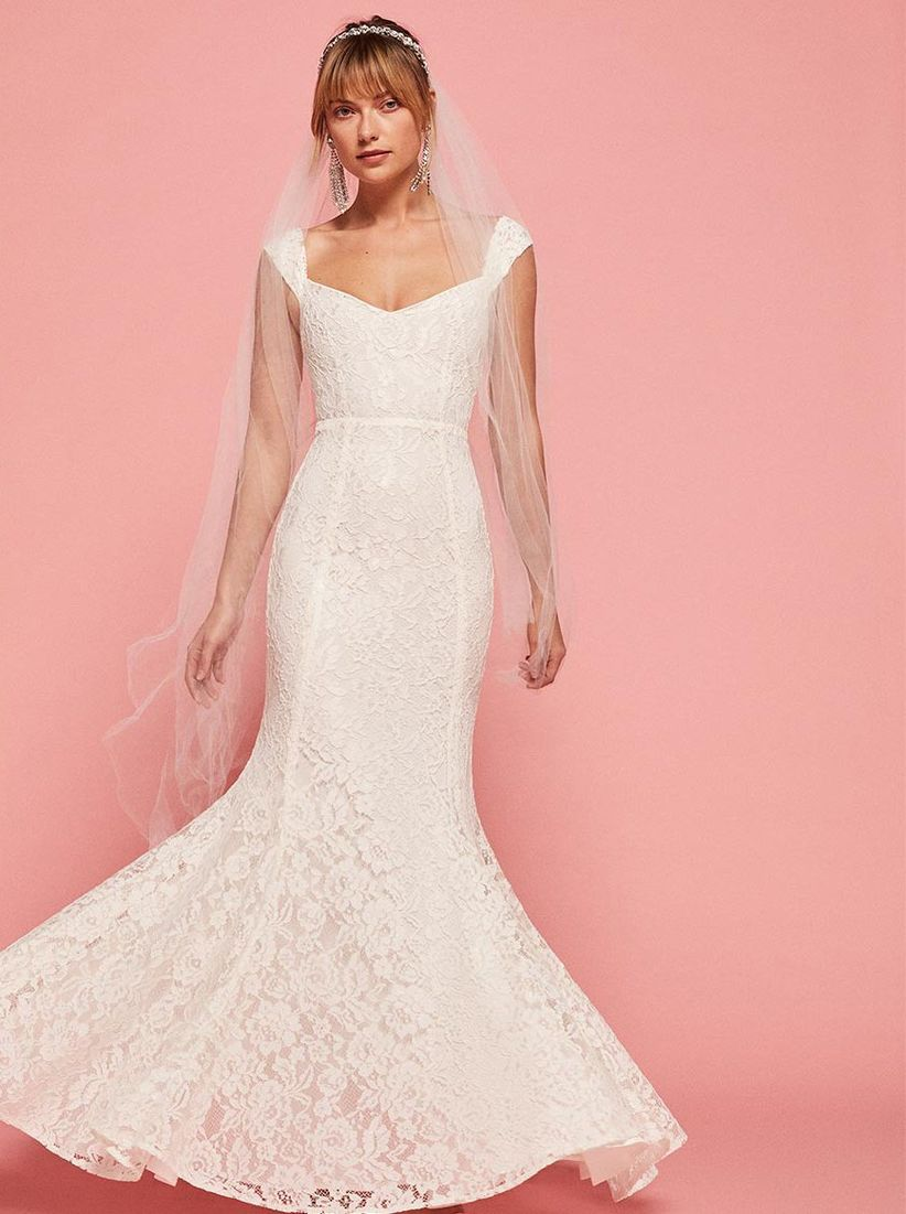 20 Wedding Dresses Under $1,000 For Every Kind of Bride - WeddingWire