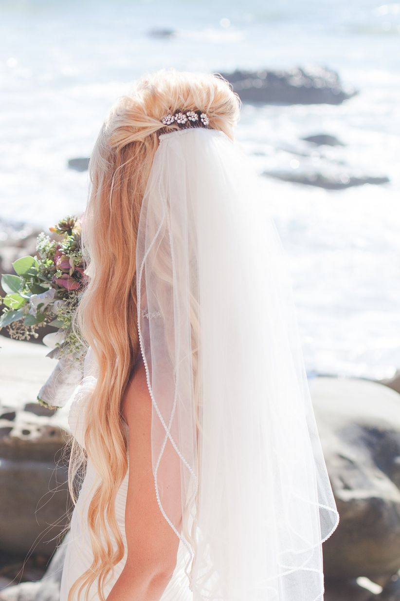 half-up hairstyles with veils