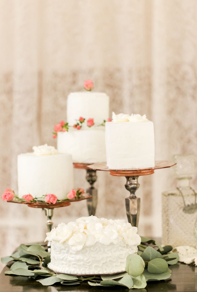 10 Years of Wedding Cake Trends: 2007-2017 - WeddingWire
