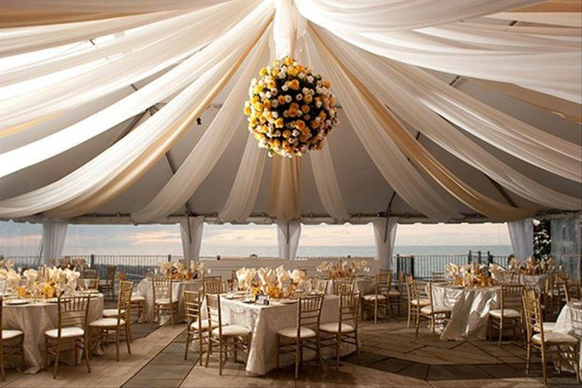 7 romantic cleveland wedding venues on lake erie weddingwire cleveland wedding venues on the lake junglespirit Images