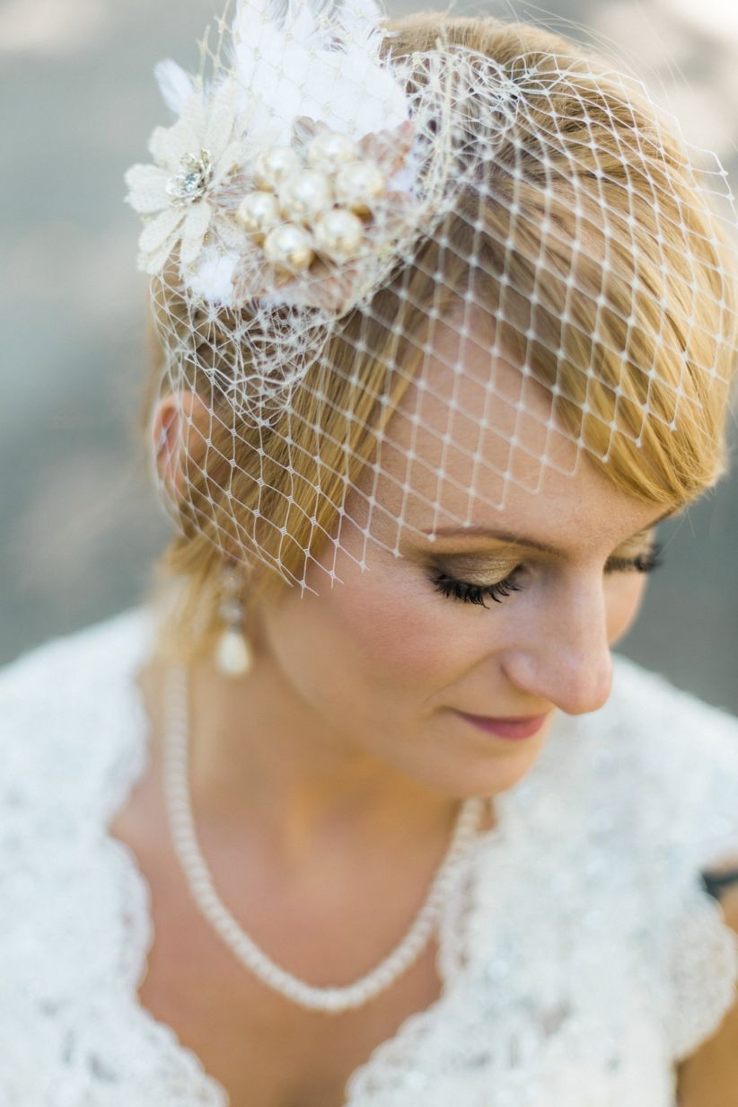 short hairstyles with veil