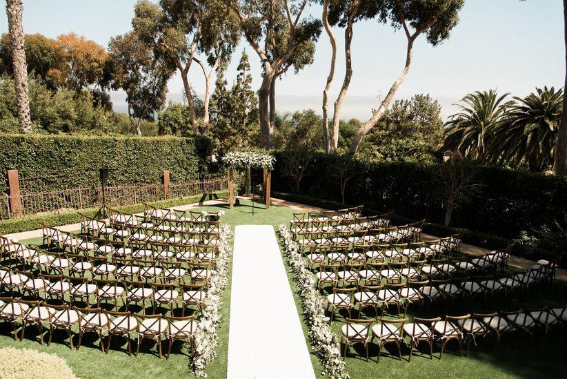 outdoor wedding ceremony venue in los angeles with greenery