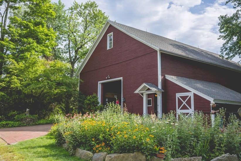 6 Rustic Barn Wedding Venues in Connecticut - WeddingWire