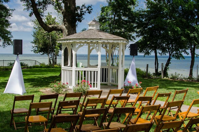7 Romantic Cleveland Wedding Venues On Lake Erie
