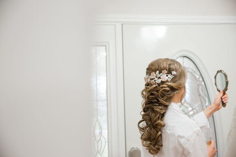 bride hair mirror