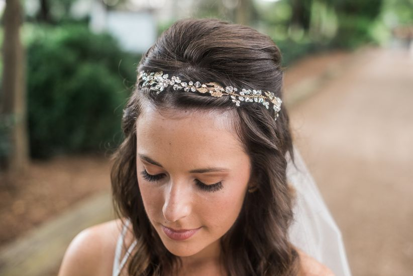 Wedding hair accessories a glossary weddingwire before you set out to peruse all the sparkly options out there arm yourself with this wedding hair accessories glossary junglespirit Choice Image