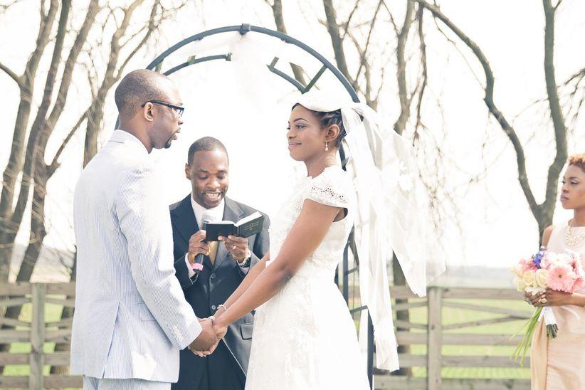 couple outdoor ceremony
