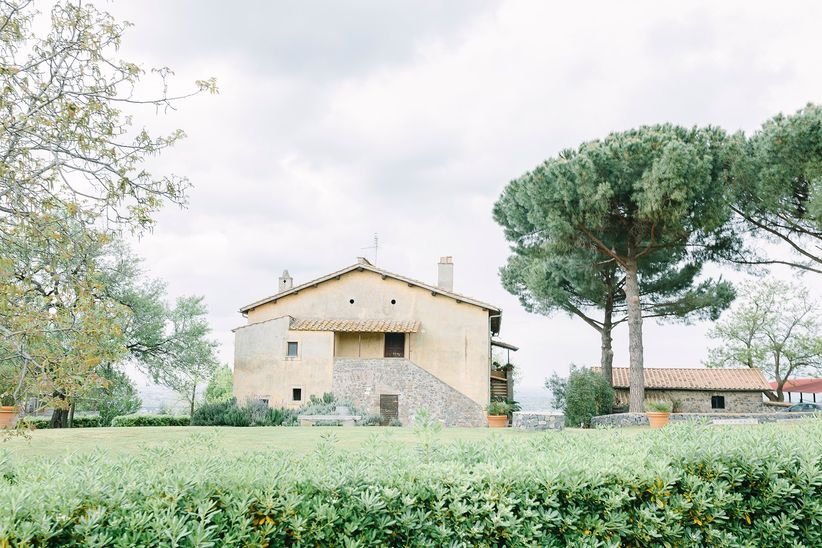 italian villa venue - wedding photographer linda pauline
