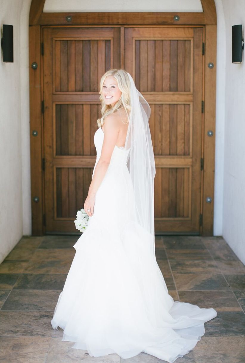 Every Wedding Veil Style & Length, Explained - WeddingWire