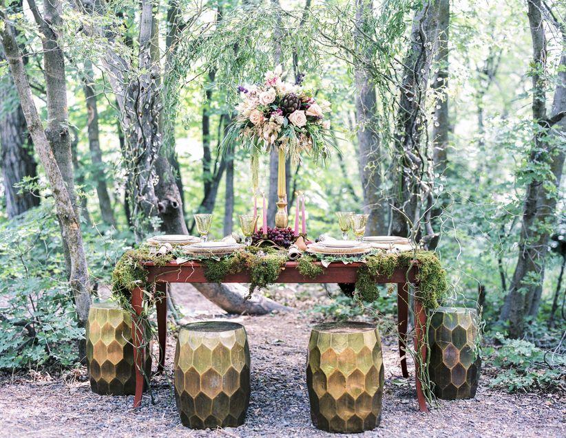15 enchanting woodland wedding ideas weddingwire woodland themed tablescape junglespirit Images