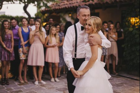 How to Write the Perfect Father of the Bride Speech, in 7 Easy Steps