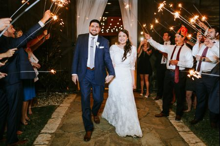 6 Details to Wrap Up At the End of a Wedding Reception