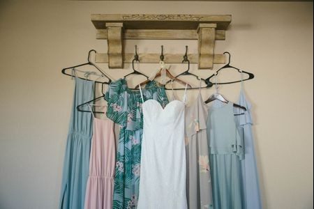 How to Pull off Mix and Match Bridesmaid Dresses